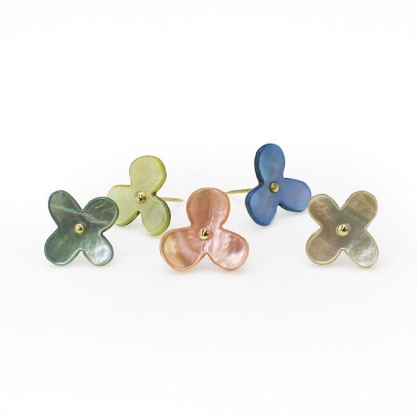 Blumen Stecknadeln aus Austernschalen (gemischte Farben)