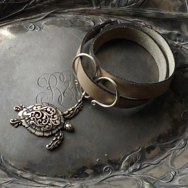 Sea Turtle Oxbow Double-Wrap Charm Lock Cuff Pewter